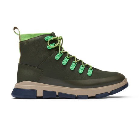 City Hiker // Olive (US: 7)