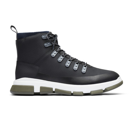 City Hiker // Black (US: 7)