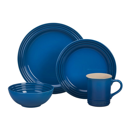 16 Piece Dinnerware Set (Cerise)
