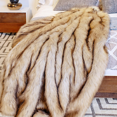 Limited Edition Faux Fur Throw // Fox (Arctic)
