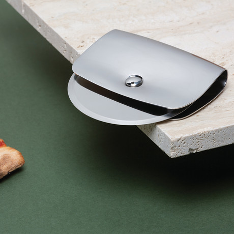Taio Pizza Cutter