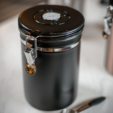 Crate Coffee Canister With Co2-Release Valve (Silver)