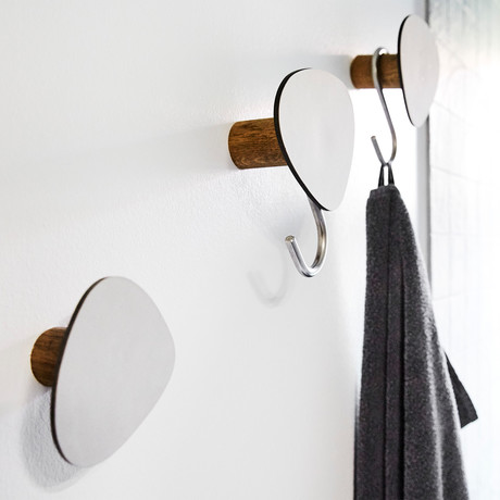 Wall Dot // Small (Black, Anthracite, Black)