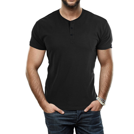 Men's Super Soft Stretch Henley // Black (S)