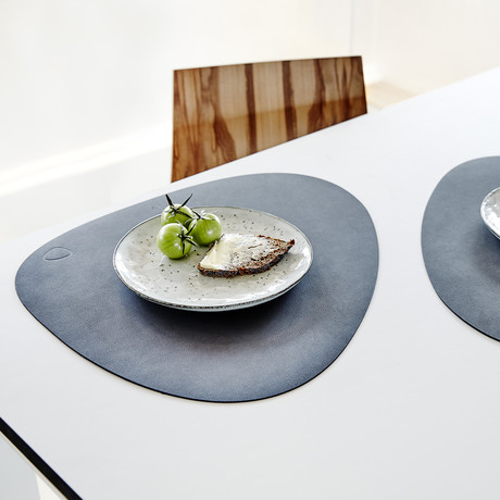 Curve Table Mat // Set of 4 (Light Gray)