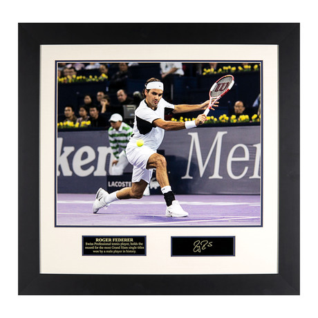 Roger Federer // Engraved Signature Series