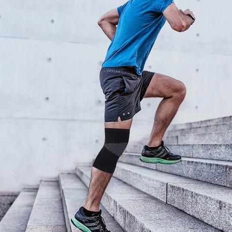 Pain-Relief Slip-On Bamboo Compression Knee Braces // Black (Medium)