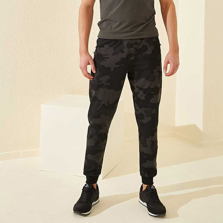 Sutton Tracksuit Bottom // Black Camouflage (XS)