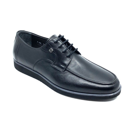 Andreas Shoes // Black (Euro: 39)