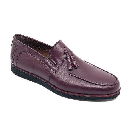 Keaton Loafers + Tassel // Claret Red (Euro: 39)