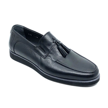 Melvin Loafers + Tassel // Black (Euro: 39)