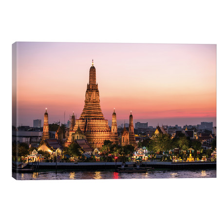 Wat Arun (Temple Of Dawn) In Bangkok // Matteo Colombo