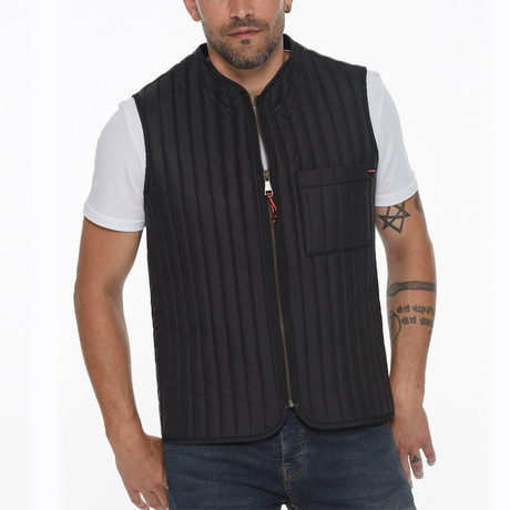 Canyon Vest // Black (Small)