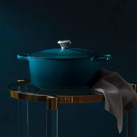 Signature Round Dutch Oven // 4.5 qt // Deep Teal