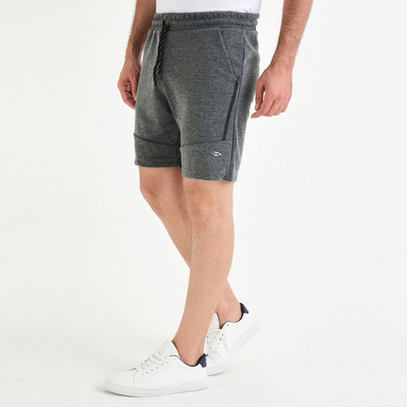 Leon Short // Anthracite (XS)