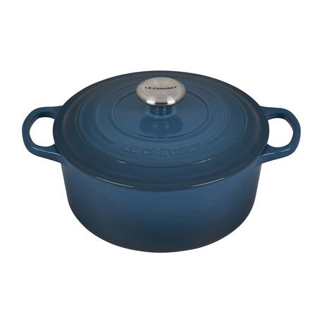 Signature Round Dutch Oven // 5.5 qt (Licorice)