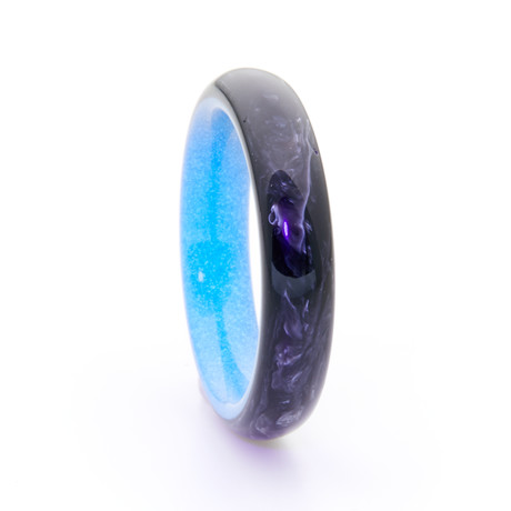 Carbon Fiber Ring + Glowing Interior // Blue (Size 5)