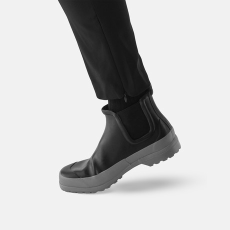 Chelsea Rain Boot + Free Rolltop Daypack // Black + Gray Sole (US: 7)