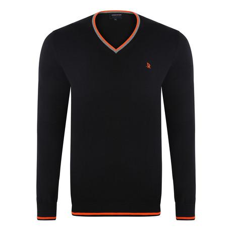 V-Neck Pullover // Black (S)
