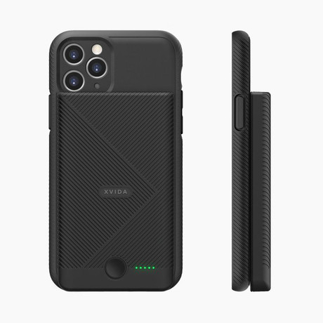 Magnetic Qi Wireless Charging Power Bank + iPhone Case // Black (iPhone 11 Pro)