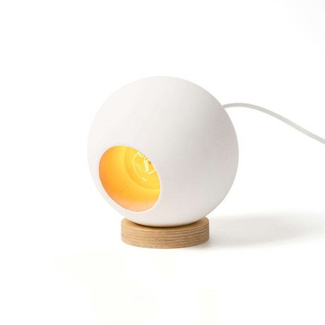 Round Table Lamp // White