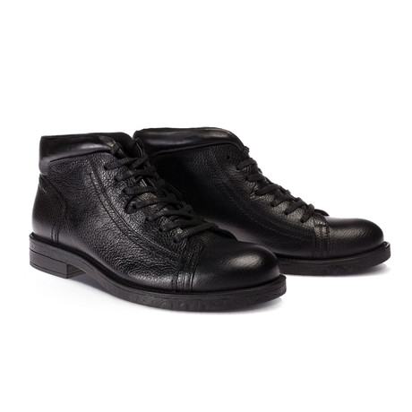 Wayne Boot // Black (Euro: 40)
