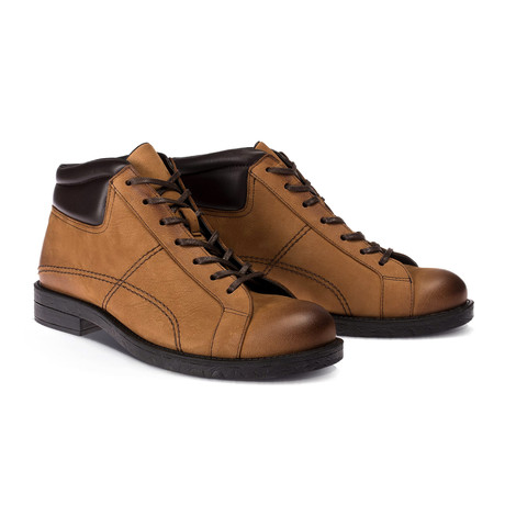 Luis Boot // Tobacco (Euro: 40)
