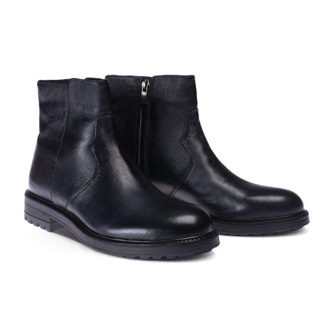 Leonard Boot // Navy Blue (Euro: 40)
