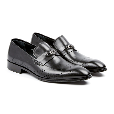 Medallion Penny Loafer // Black (US: 7)