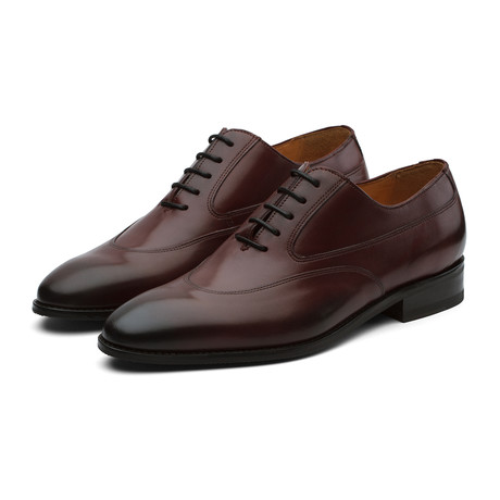 Swan Neck Oxford // Burgundy (US: 7)
