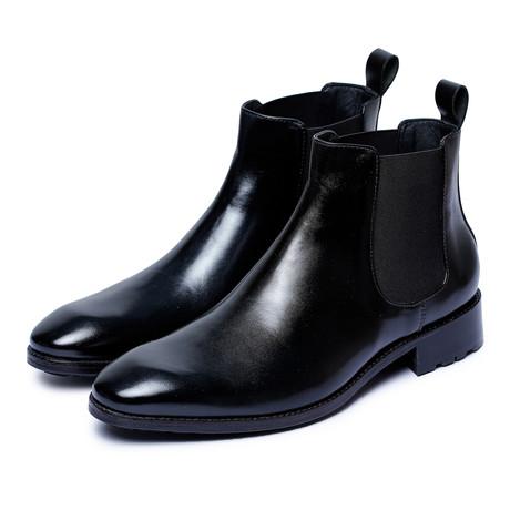 Chelsea Boots // Black (US: 8)