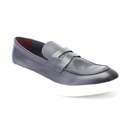 Ahu Shoe // Dark Blue (Euro: 39)