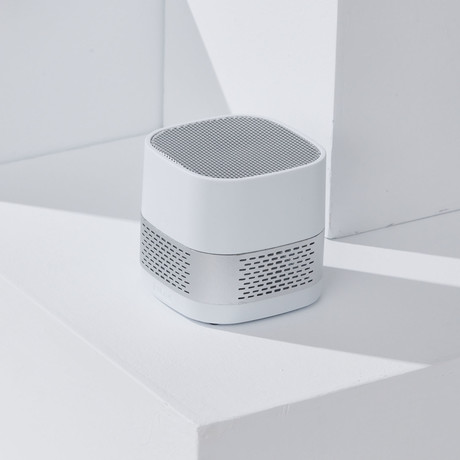 LUFT Cube // Portable + Filterless Air Purifier // Silver