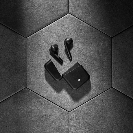 Zebuds Premium // TWS Earphones + Charging Case // Black