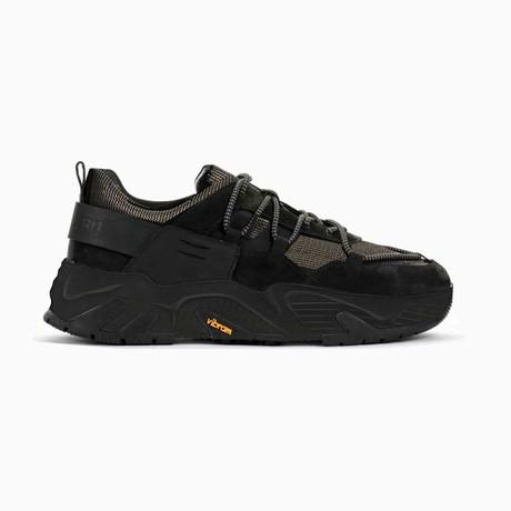 The Hollen Black Soul Sneaker // Black + Gold (US: 7)