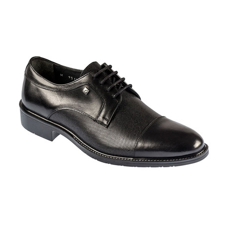 Phil Shoe // Black (Euro: 39)