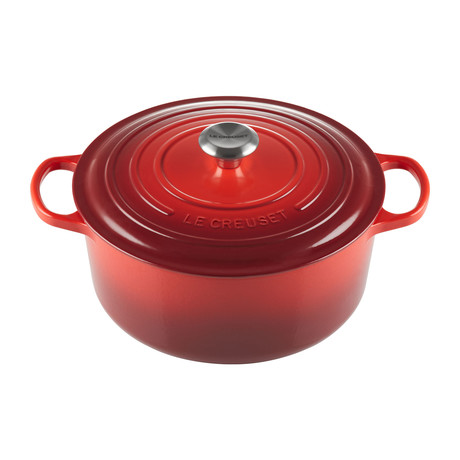 Signature Round Dutch Oven // 7.25 qt (Cerise)