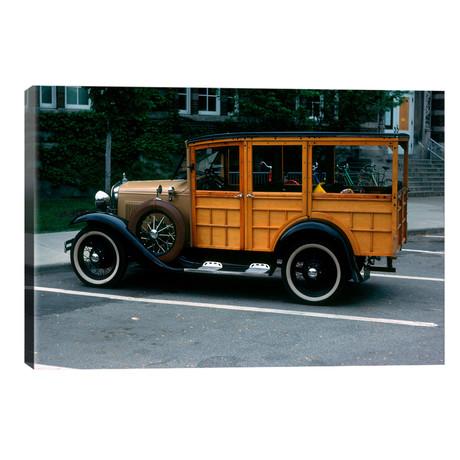 1930s Wood Body Station Wagon Antique Automobile // Vintage Images