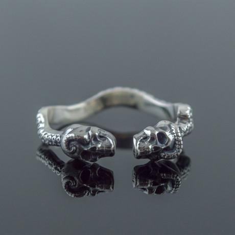 Skulls Ring // Silver (6)