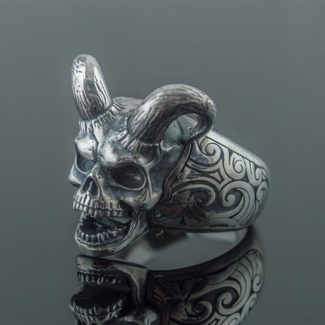 Skull + Horns Ring // Silver (6)