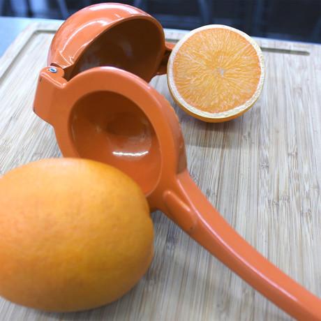 CooknCo // Manual Orange Squeezer