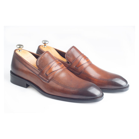 Thomas Loafer // Brown (Euro: 38)