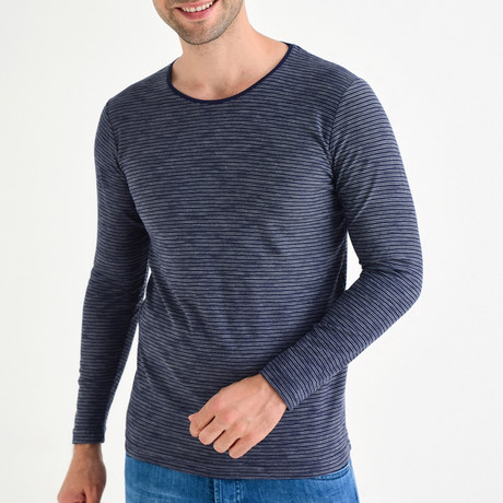 Long-Sleeve T-Shirt // Navy Blue (XS)