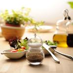 Hulu Salt + Pepper Set