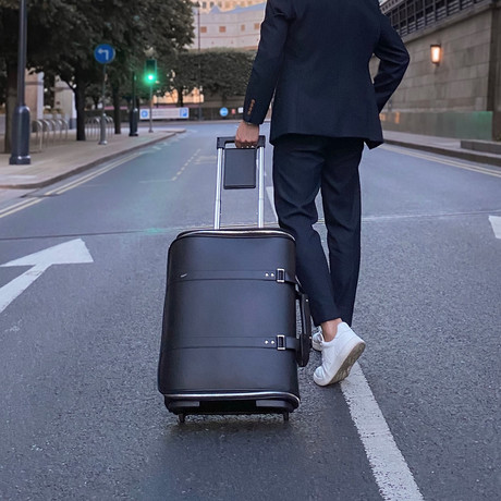 F38 Leather Carry-On Luggage // Black