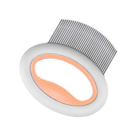 Knuckler // Handheld Travel Flexible Pet Rake Comb
