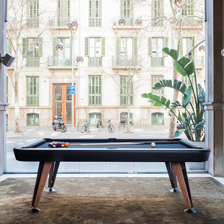 Diagonal Outdoor Pool Table (White // 7ft.)