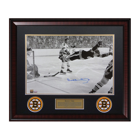 "Bobby Orr ""Dive"" // Framed // Signed"