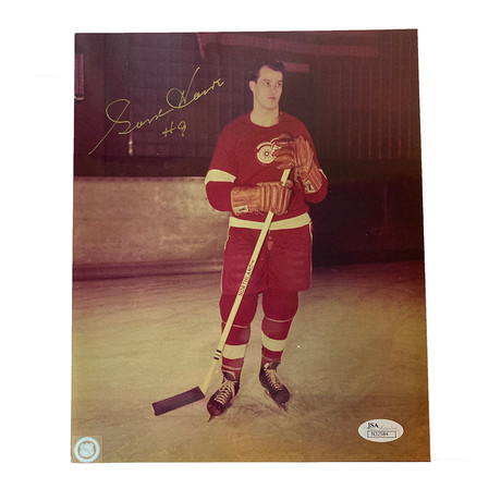 Gordie Howe // Signed