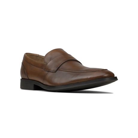 Clarks // Gilman Free // Tan Leather (US: 7)